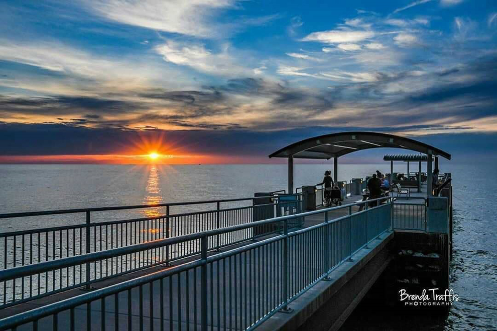 Painesville Township Park - Lake Erie - pier - sunset - Lake Metroparks - photo by Brenda Traffis Photography